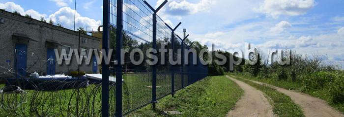 Металлические заборы для загородного дома