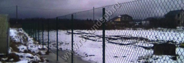 Забор из сетки-рабица – отличное решение для загородных участков